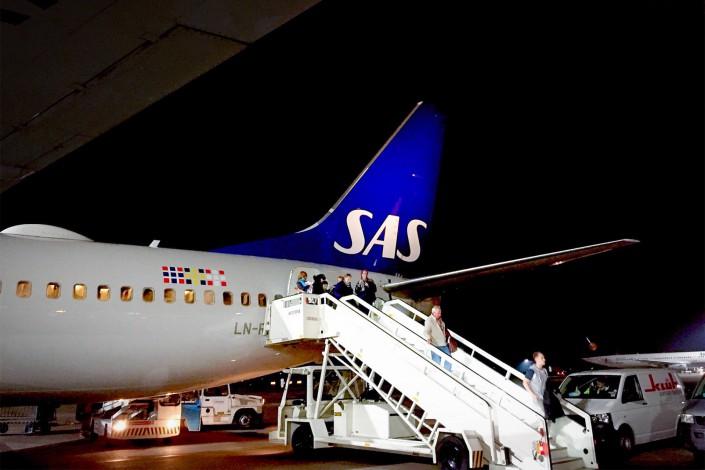 Flugzeug Check SAS Airlines bei Nacht